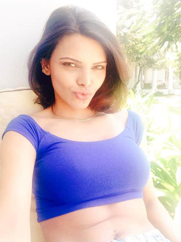 SHERLYN CHOPRA:- Thanks to each one of YOU for your love n support!!!! Sendin' YOU my kisses.. -twitter