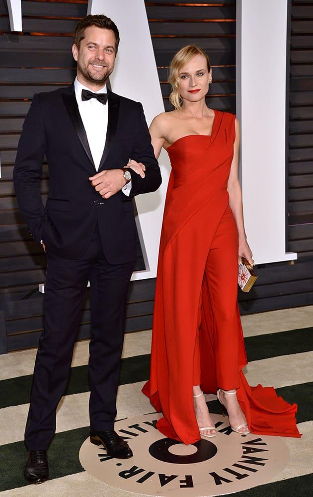 Joshua Jackson, left, and Diane Kruger arrive at the 2015 Vanity Fair Oscar Party.