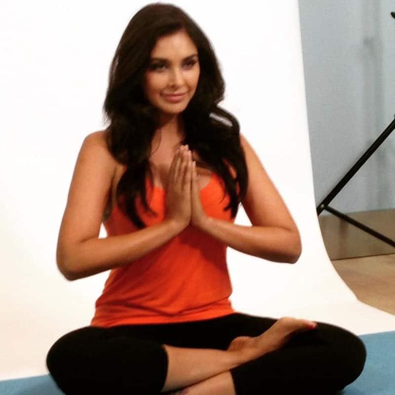 Lisa Ray :-  #Yoga #health #SetLife -twitter