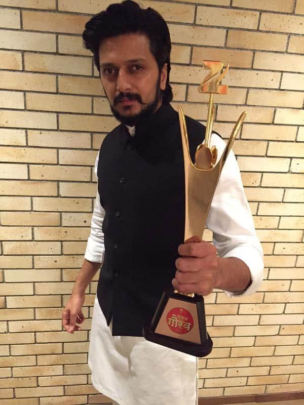 Zee Gaurav - Best Actor - Lai Bhaari - Twitter@Riteishd