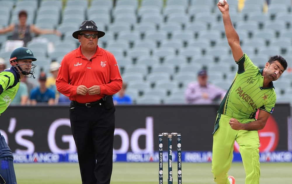 Pakistan's Sohail Khan bowls during their Cricket World Cup Pool B match against Ireland in Adelaide, Australia.