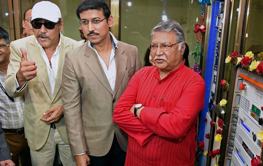 Rajyavardhan Singh Rathore along with actors Jackie Shroff and Vikram Gokhale during the inauguration of Vividh Bharati Service in FM mode of All India Radio.