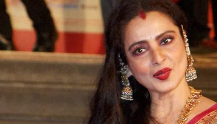 Manish Malhotra enjoys styling evergreen Rekha