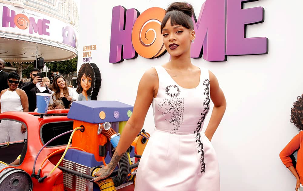 Rihanna attends the Los Angeles Premiere of