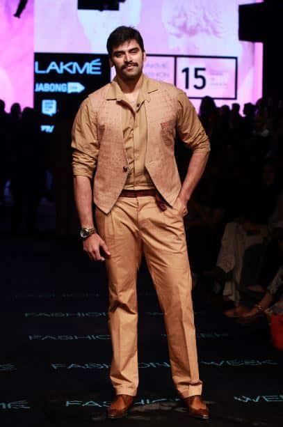 Designer Kunal Anil Tanna showcased his spring summer collection, 'Ume Matsuri' at the Lakme Fashion Week 2015.