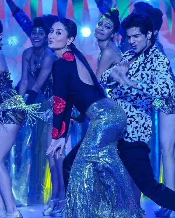 Kareena Kapoor Khan ‏:- Exclusive, Kareena sets the stage on fire when performing at Femina Miss India Grand Finale (2) . -twitter