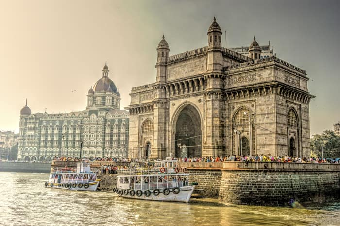 How to reach Gateway of India