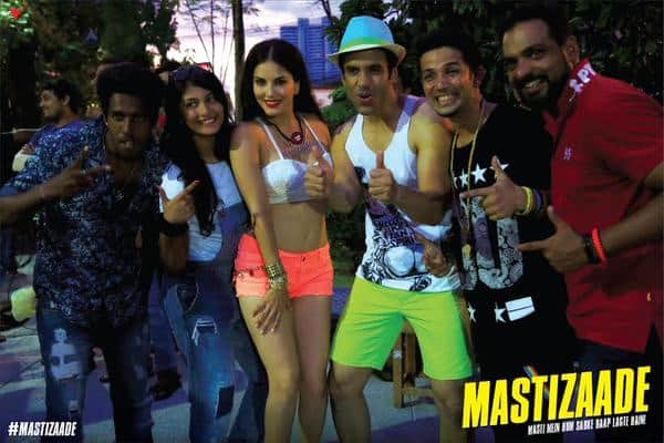Cameras can stop rolling but the masti never stops here! Kyunki Hum Hain #Mastizaade! #Sneakpeek of #BehindTheScenes - Twitter@MastizaadeFilm