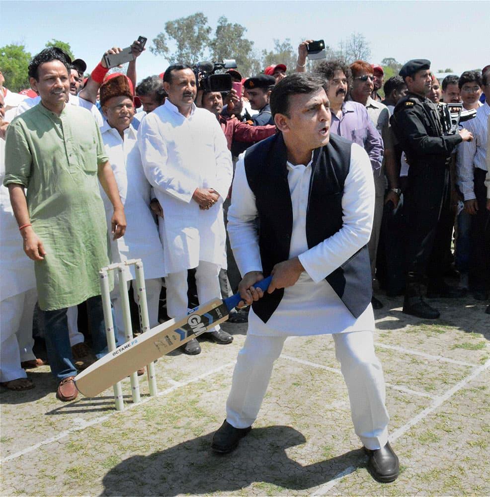 Uttar Pradesh Chief Minister Akhilesh Yadav inaugurating the Indian Gramin Cricket League (IGCL) in Lucknow.