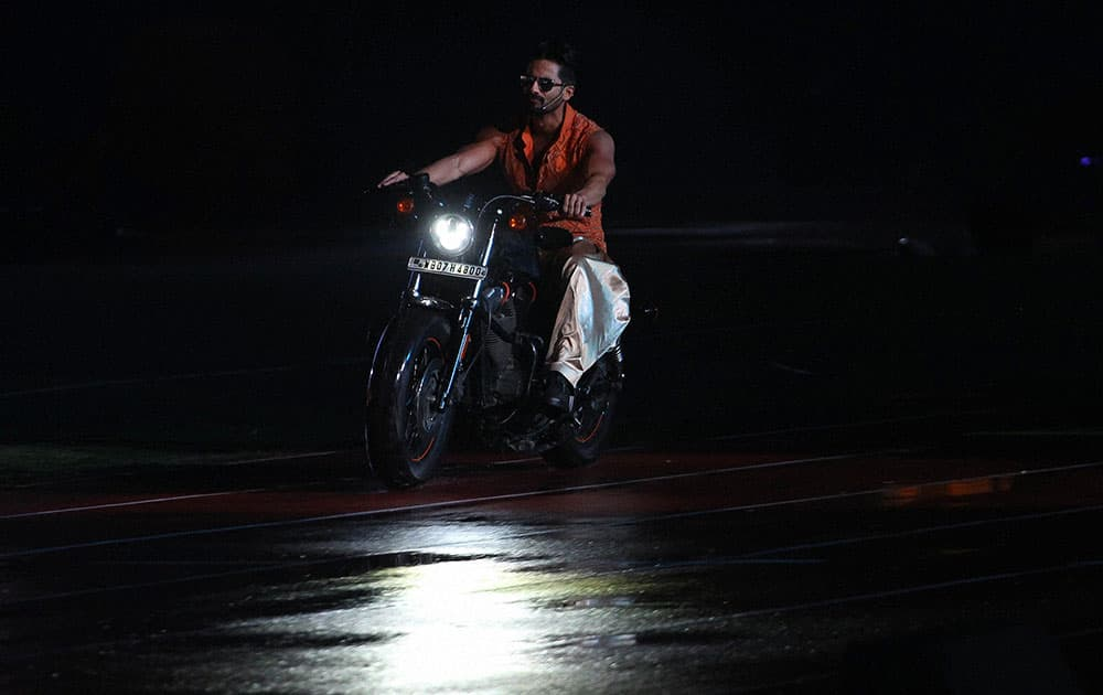 BOLLYWOOD ACTOR SHAHID KAPOOR PERFORMS DURING THE PEPSI IPL 2015 OPENING NIGHT EVENT AT THE SALT LAKE STADIUM IN KOLKATA.