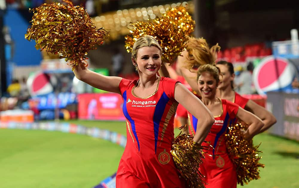 CHEER LEADERS DURING THE IPL 8 MATCH BETWEEN ROYAL CHALLENGERS BANGALORE AND MUMBAI INDIANS IN BENGALURU.