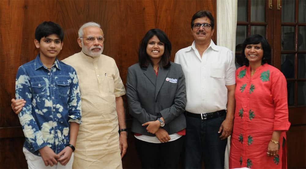 Narendra Modi :- Met India's pride & the talented @bhaktisharma4. -twitter