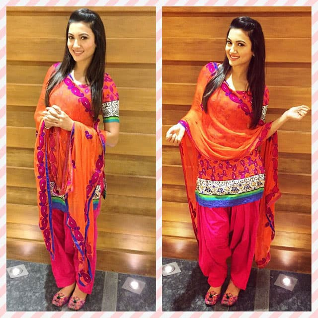 gauahar khan :- #promotions ..chose to wear smthng tat was given to me wid a lot of love.. Thank u @amani_rangi.. #punjabikudi look... -instagram