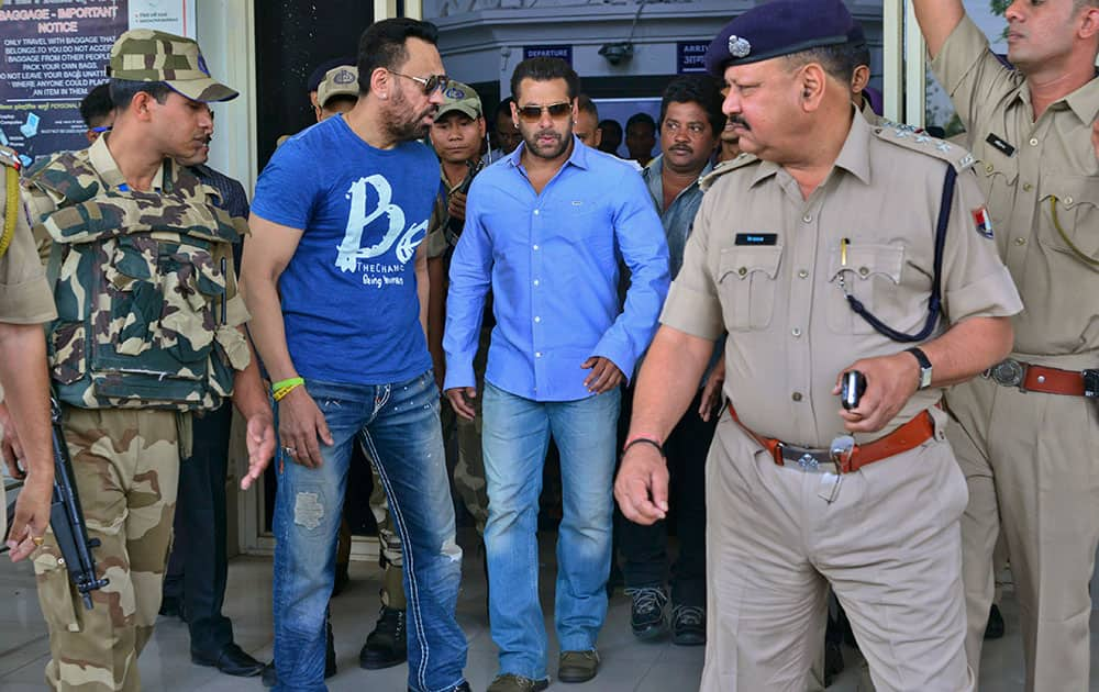 Bollywood actor Salman Khan arrives at the Jodhpur civil airport to appear before a court in Jodhpur, Rajasthan, India.