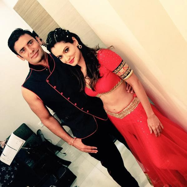 Life is when @Sangram_Sanjeet is by my side. Enjoy the journey forget the destination #Subhratri - Twitter@Payal_Rohatgi