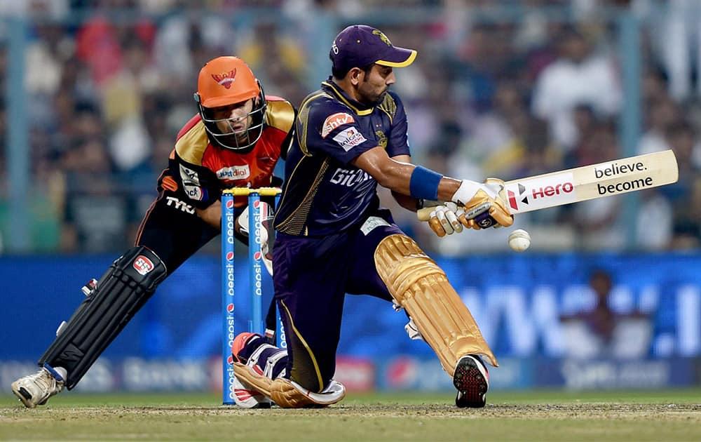 KKR batsman Robin Uthappa plays a shot during IPL match against SRH at Eden Garden in Kolkata.