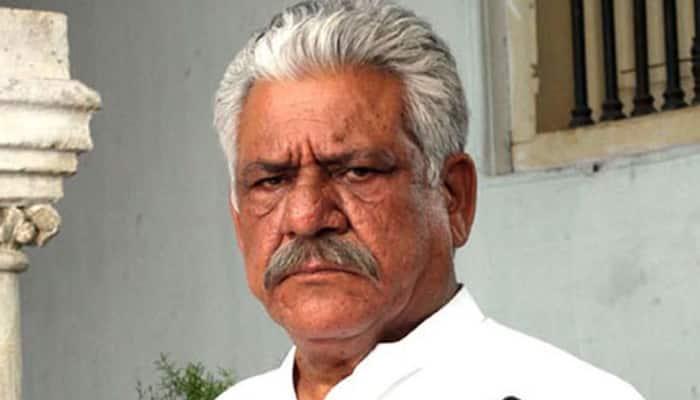 Om Puri shoots 'Gandhigiri' in Lucknow