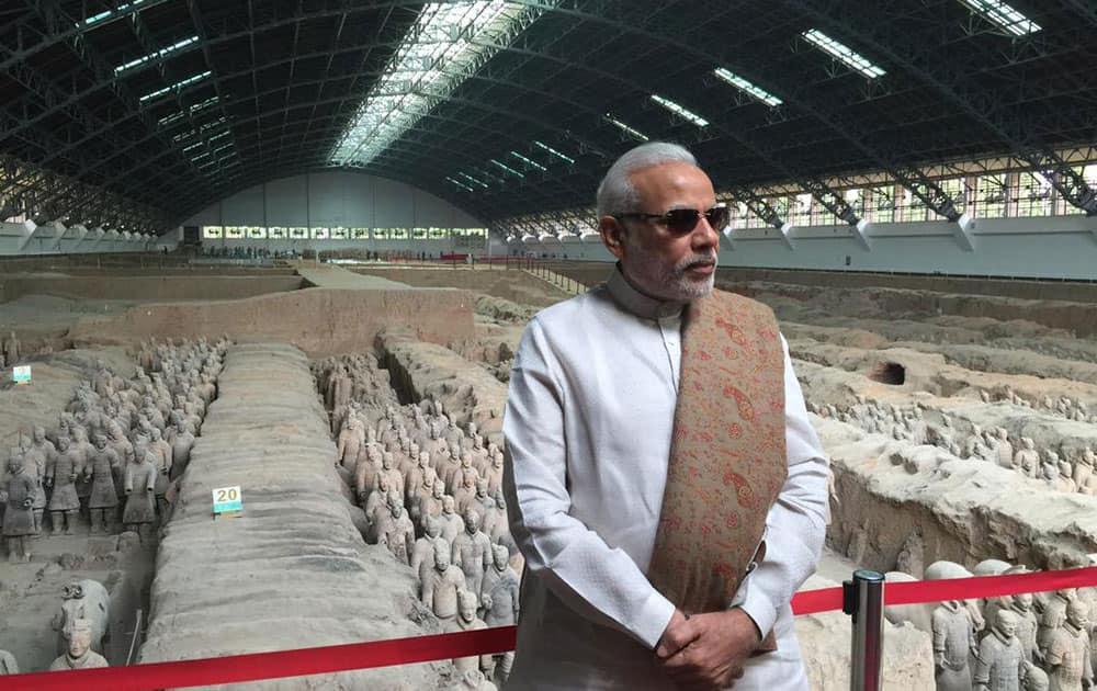 PM @narendramodi at the Terracotta Warriors Museum. -twitter