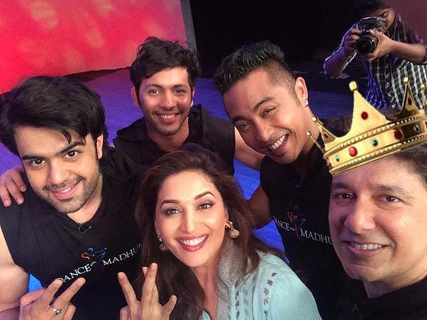 #DanceWithMadhuri gang. http://bit.ly/1KM5vrB  - Twitter@TeamMadhuriD