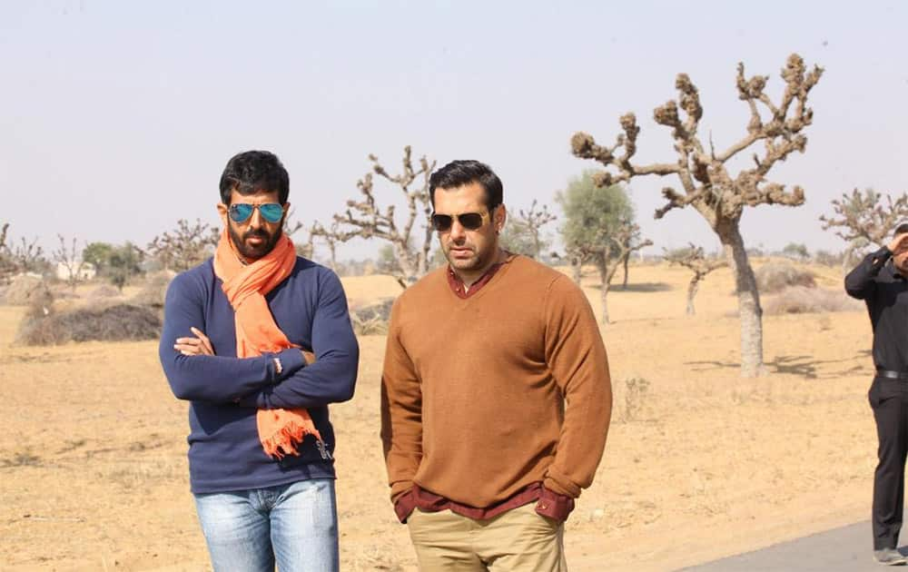 #BajrangiBhaijaan We had an awesome schedule in Rajasthan... 70 per cent of the film is now complete :-)  Pic Courtesy: Twitter@kabirkhankk