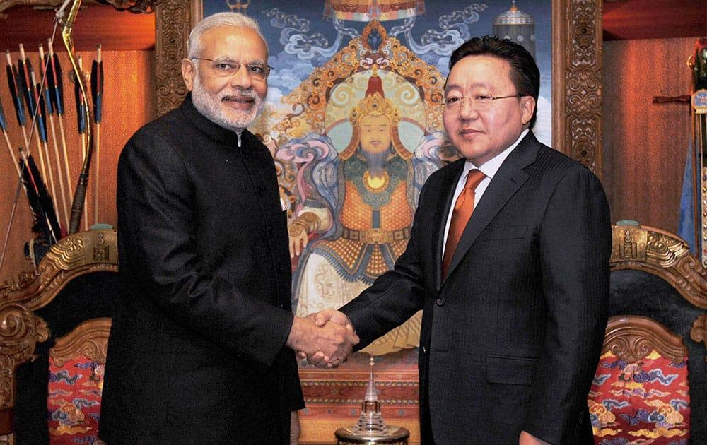 Prime Minster Narendra Modi shakes hands with President of Mongolia Tsakhiagiin Elbegdorj in Ulan Bator, Mongolia.