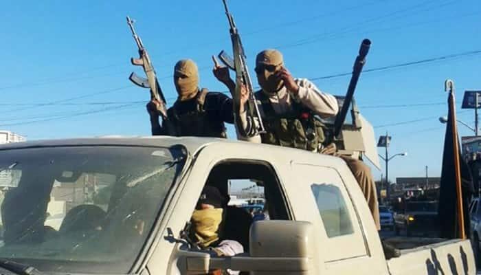 Iraq deploys tanks as Islamic State tightens grip on Ramadi