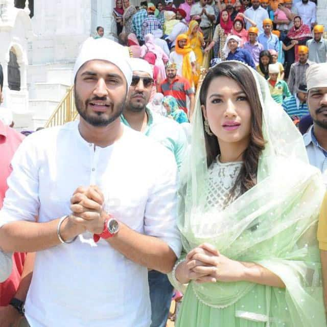 Gauahar Khan with Jassi Gill at Golden Temple, Amritsar seeking blessings for their upcoming movie Oh Yaara Aevein … -twitter