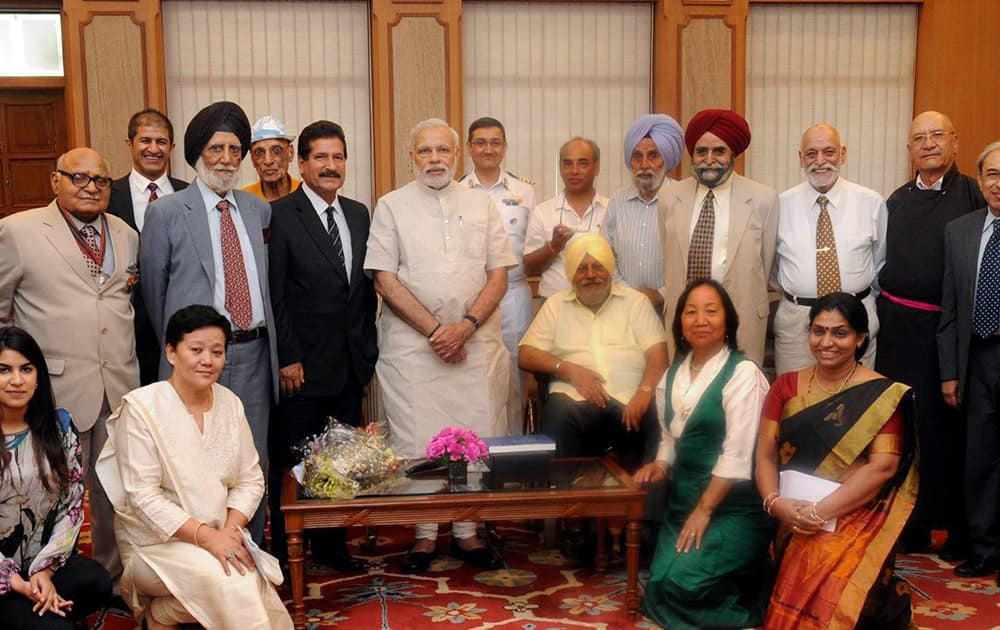 Prime Minister Narendra Modi meeting with the members of 1965 Everest Expedition on its golden jubilee.