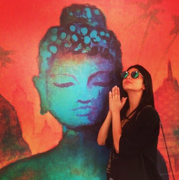 Pray!! - Instagram@shrutzhaasan