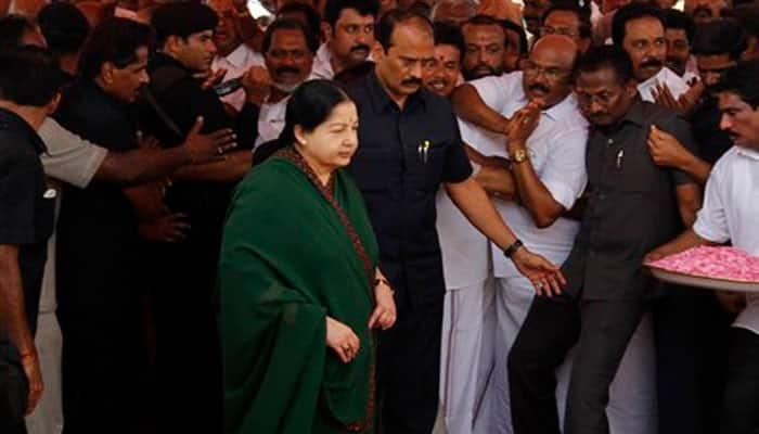 Jayalalithaa to be sworn in as Tamil Nadu CM for fifth time on Saturday