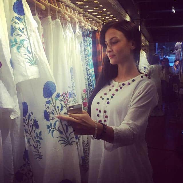 In Ahakzai store for the new fresh summer collection :) go and have a look!! Store is in Bandra. #lovewhite Twitter‏@ElliAvram