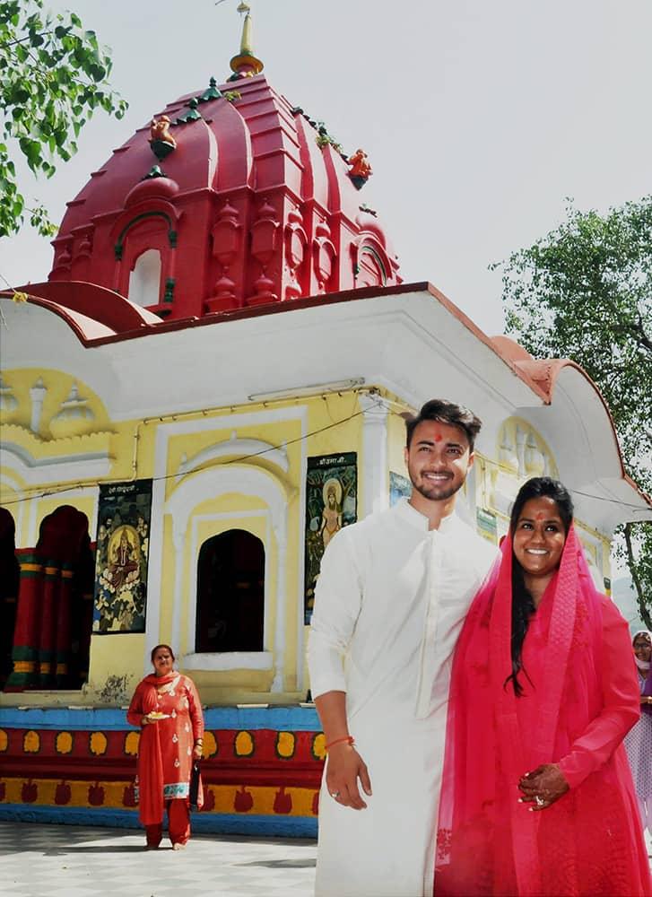Salman Khans sister Arpita Khan and her husband Aayush Sharma at Tarna Temple in Mandi.