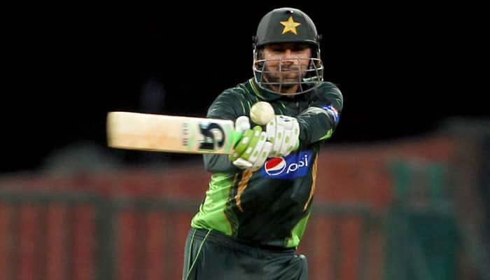 Shoaib Malik shines on ODI return, enthralls spectators with superb ton