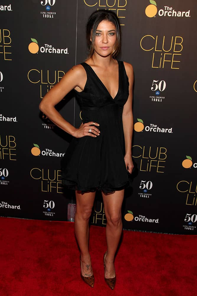 Jessica Szohr attends the premiere of