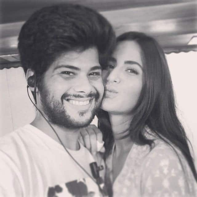 Katrina Kaif poses for a selfie! #Fitoor -twitter