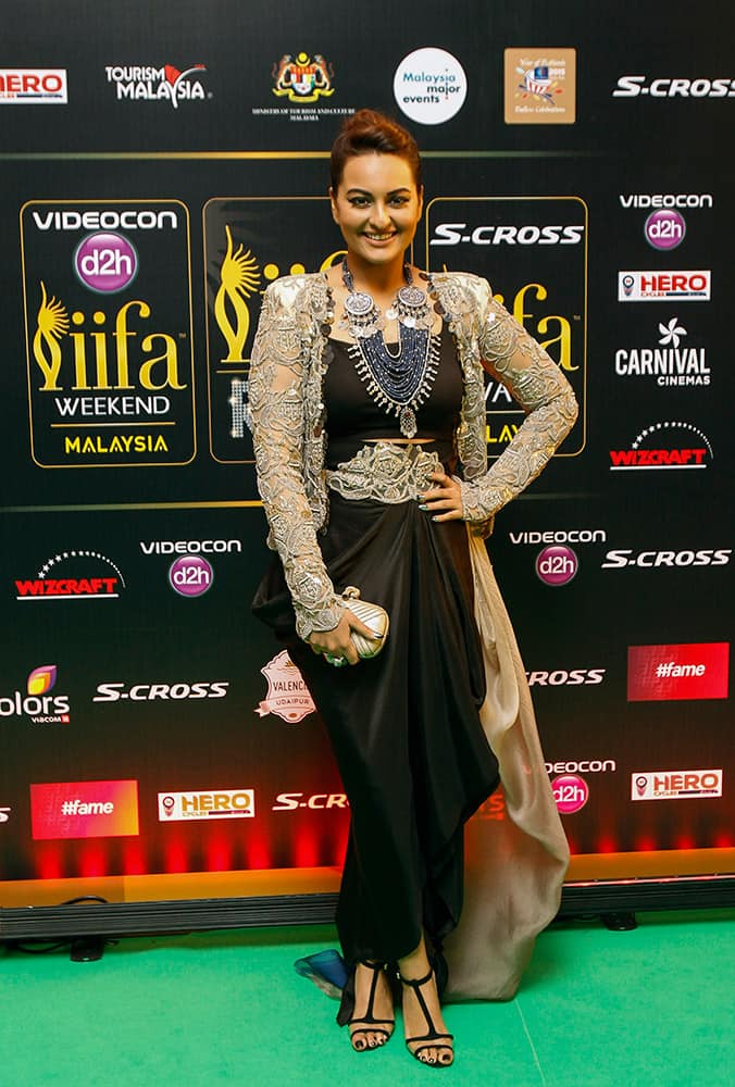 Sonakshi Sinha arrives on the