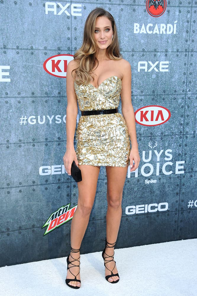Hannah Davis attends the 2015 Spike TV's Guys Choice Awards at Sony Studios, in Culver City, Calif.