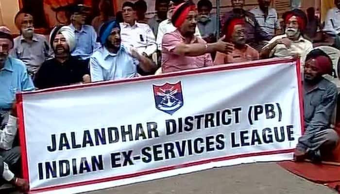 One Rank One Pension row: Ex-servicemen begin indefinite hunger strike at Jantar Mantar