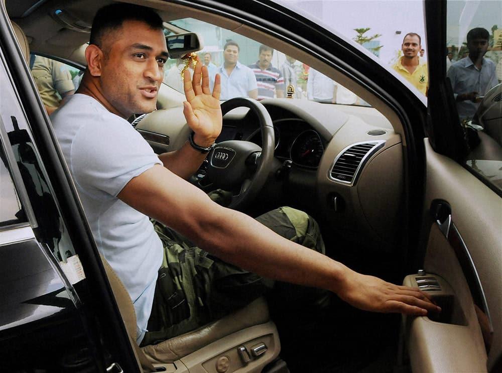 Indian Cricket team Captain Mahendra Singh Dhoni arrives at Birsa Munda International Airport in Ranchi.