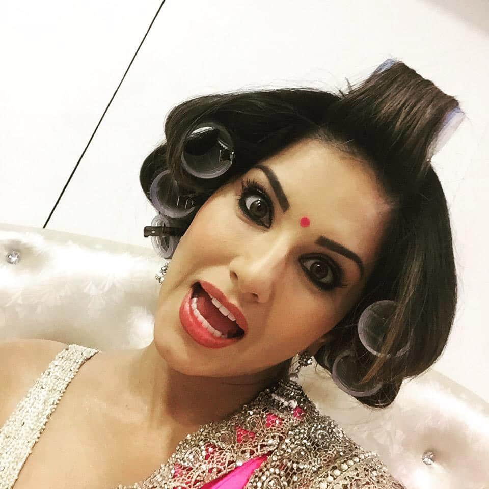 Sunny Leone :- Yup a new hair style just for yall!! Haha life's too short to be serious! -twitter