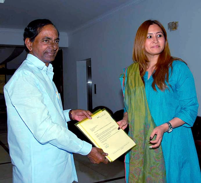 Shuttler Jwala Gutta with Telangana Chief Minister K Chandrashekar Rao during a meeting in Hyderabad.