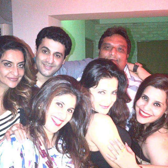 @ameesha_patel And nice to see full gang~from sat nite party  -twitter