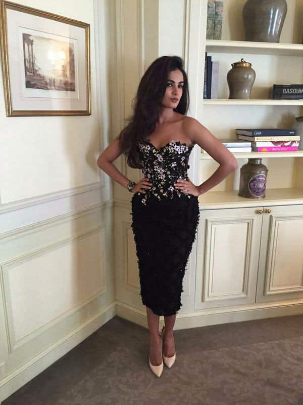 SONAL CHAUHAN :- @sonalchauhan7 Looking Sexy As Usual In @ralphandrusso ❤ -twitter