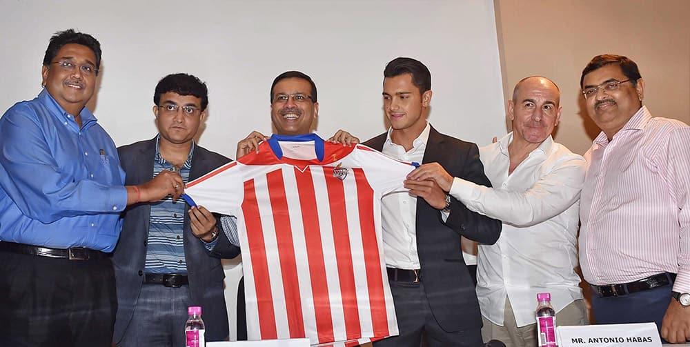 Atletico de Kolkata team owners Sanjiv Goenka, Sourav Ganguly, Harshavardhan Neotio, Utsab Parekh Head Coach Antonio Habas and Sports Director Alberto Marrero unveiling the jersey of the team in Kolkata.