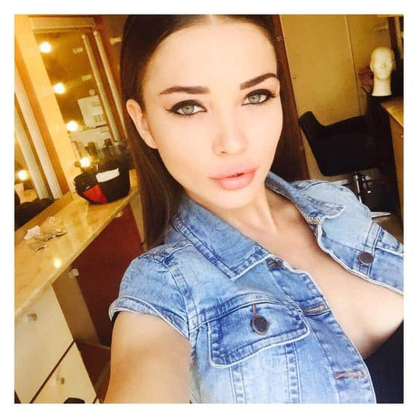 Ready for my close up #Lights #Camera #Action #SinghisBliing - Twitter@iamAmyJackson