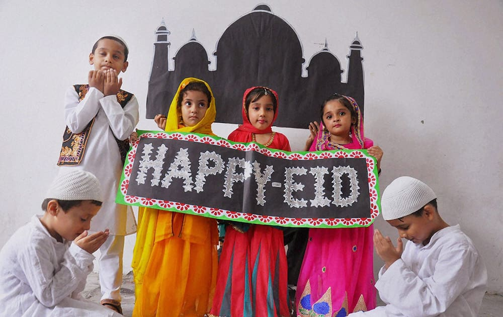 School children wishing Eid in Moradabad.