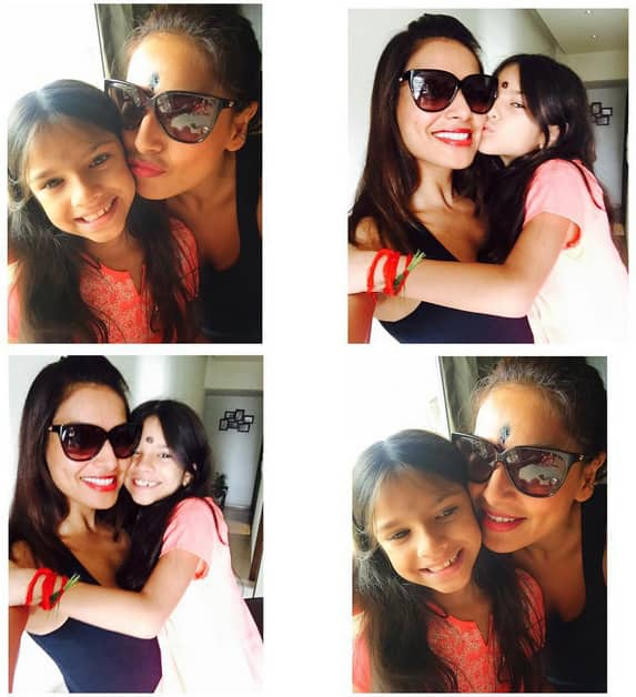Pooja Day at mom's home! With my little devil Nia - Instagram@bipashabasu