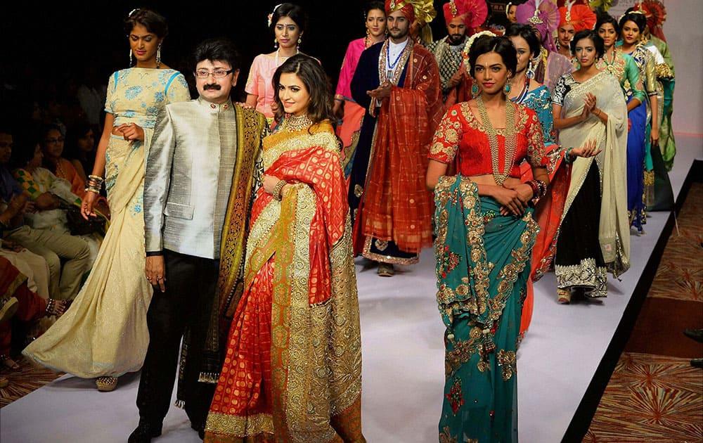 Kannada Actress Kriti Kharbanda showcasing the creation of Ashok Maanya during the 13th Edition of Bangalore Fashion Week in Bengaluru.