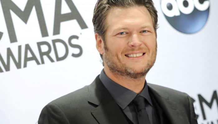 Blake Shelton performs at first concert since split