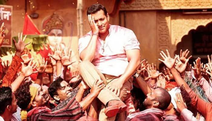 Salman Khan's 'Bajrangi Bhaijaan' beats 'Baahubali', celebrates Rs 400 crore worldwide collections